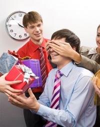 ... сайта Voicecards.ru | С днем рождения коллеге: www.voicecards.ru/blog/работа-и-учеба/с-днем...